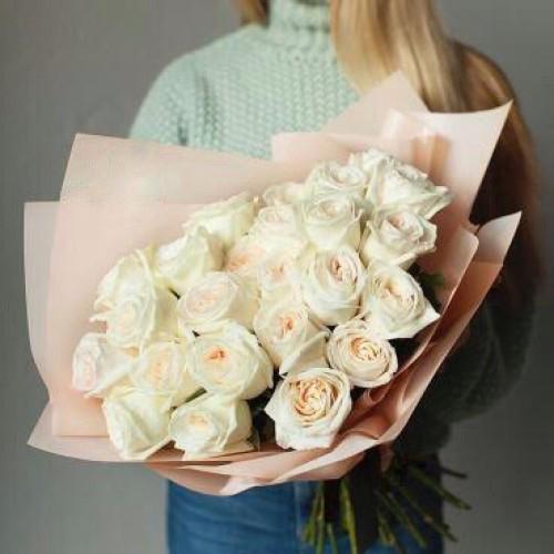 Купить на заказ Букет из 31 белой розы с доставкой в Каскелене
