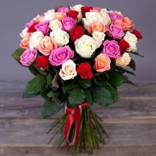 Купить на заказ Букет из 31 розы (микс) с доставкой в Каскелене